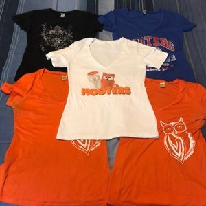 Lot of 5 Collectible Hooters T-shirts Size Medium